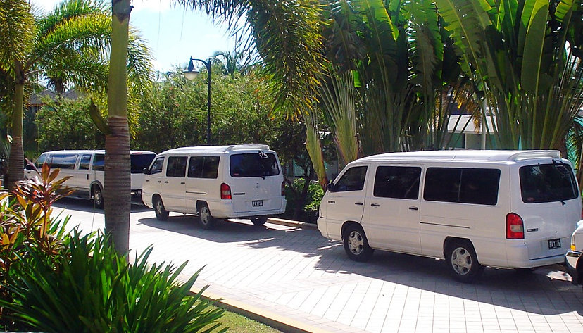 holiday airport shuttle bus