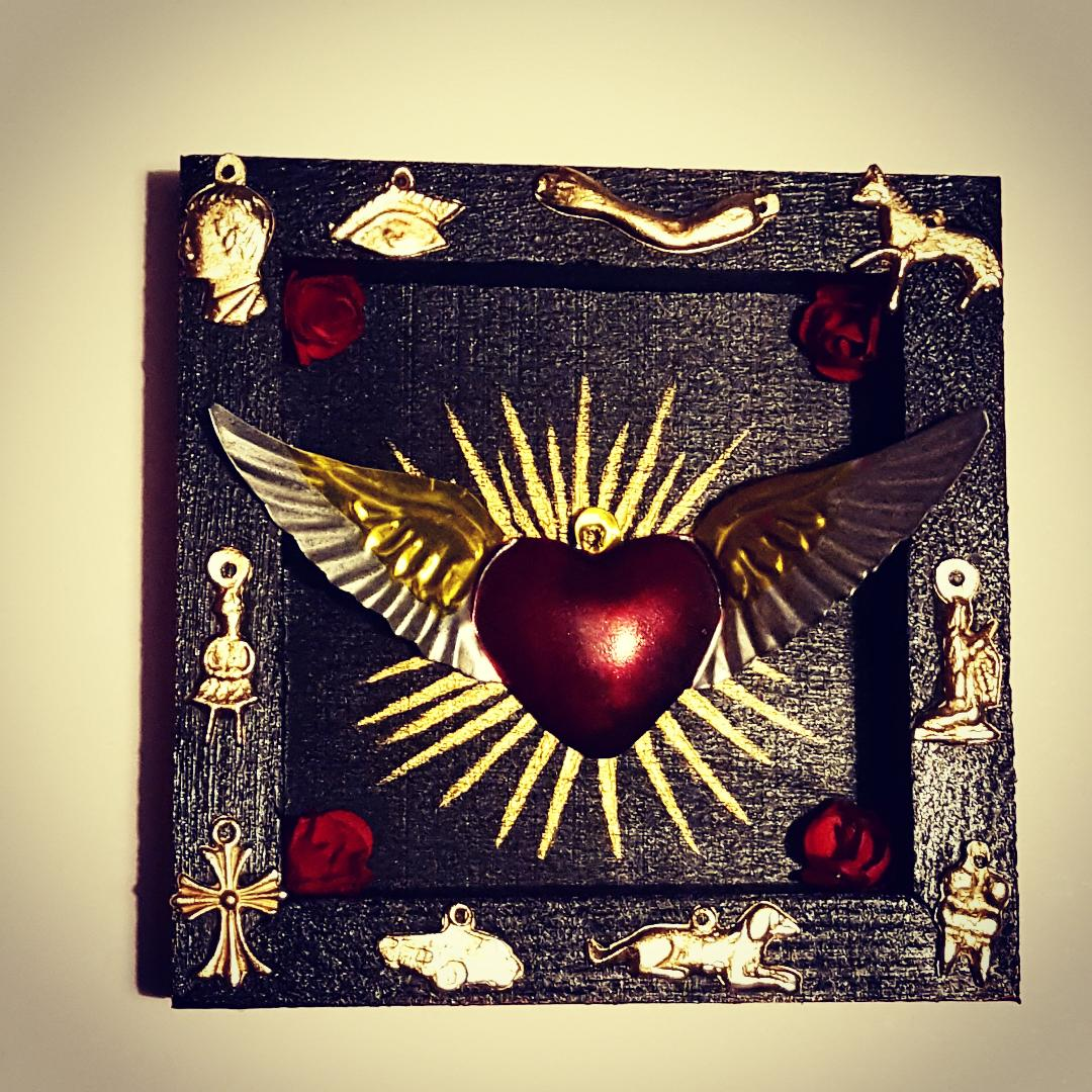 Mini Sacred heart Milagro box