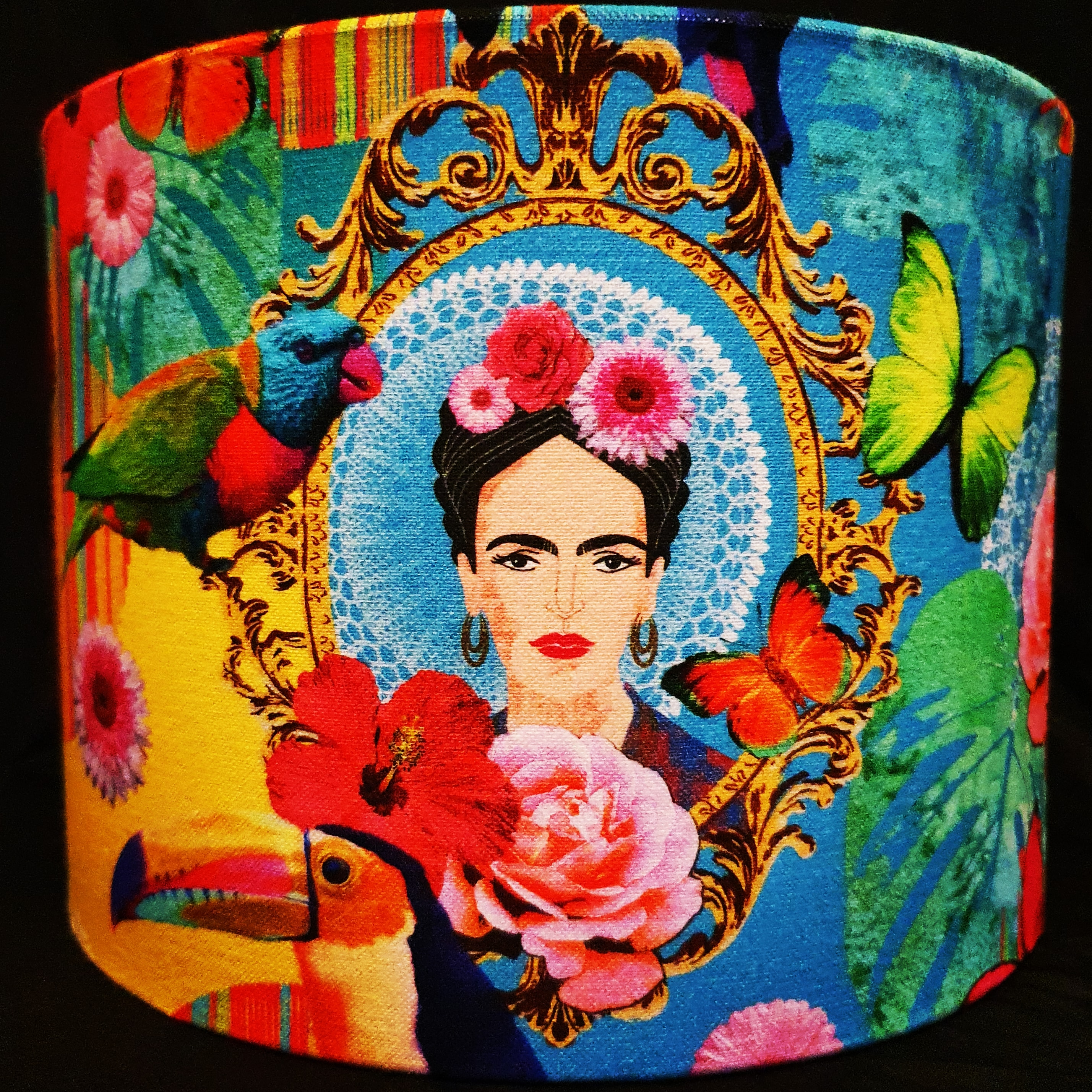 Frida tropical scene (blue backing)
