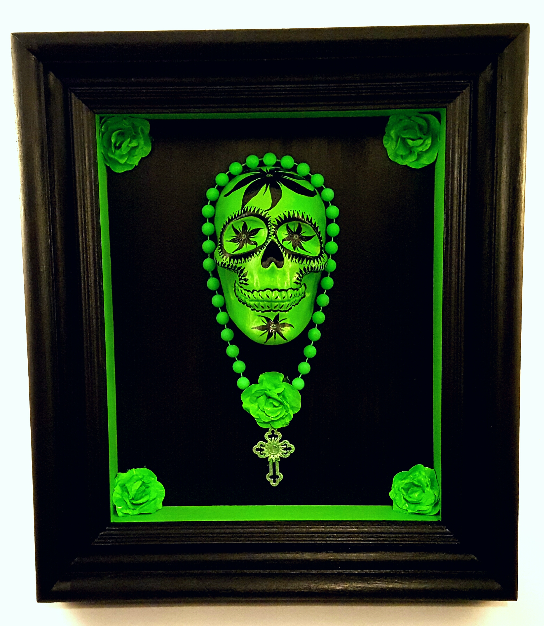 Fluorescent Green skull box