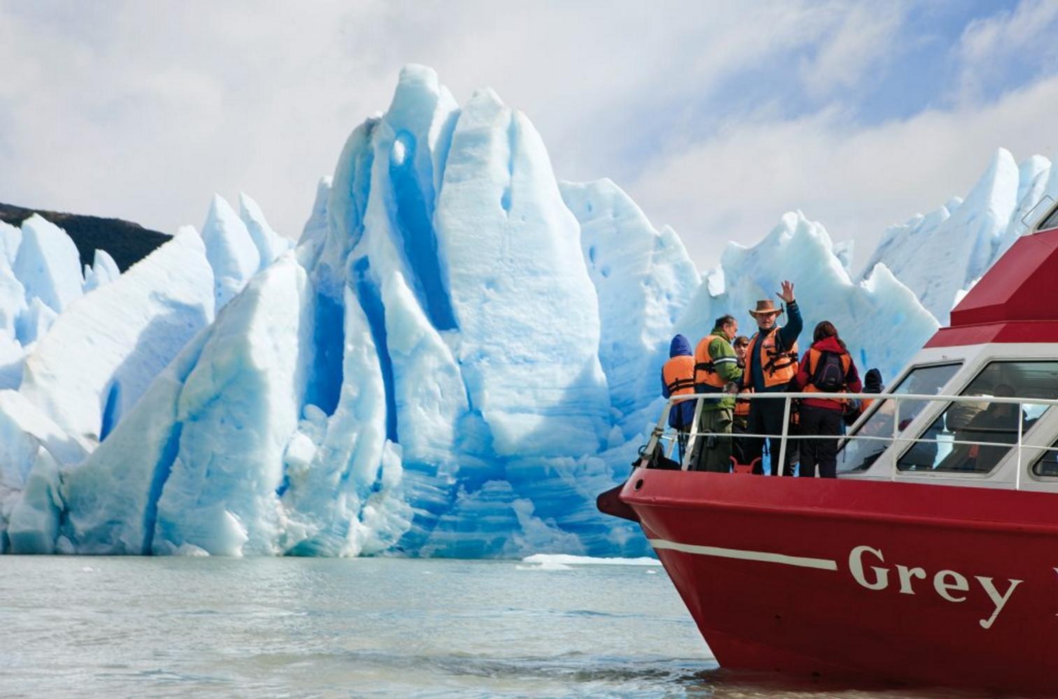 Lake Grey Glacier boat trip
