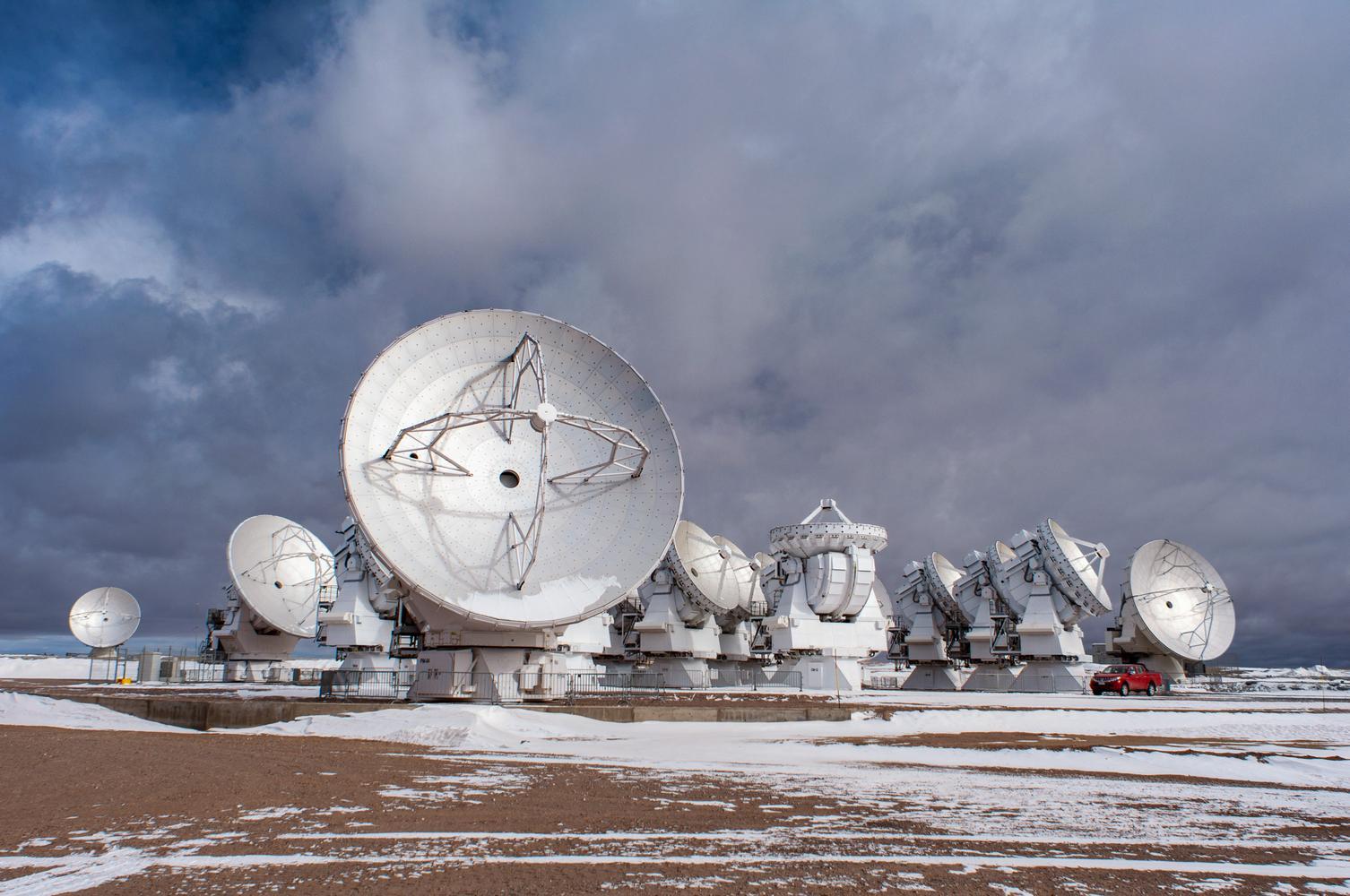 The Atacama Large Millimeter/submillimeter Array, San Pedro de Atacama