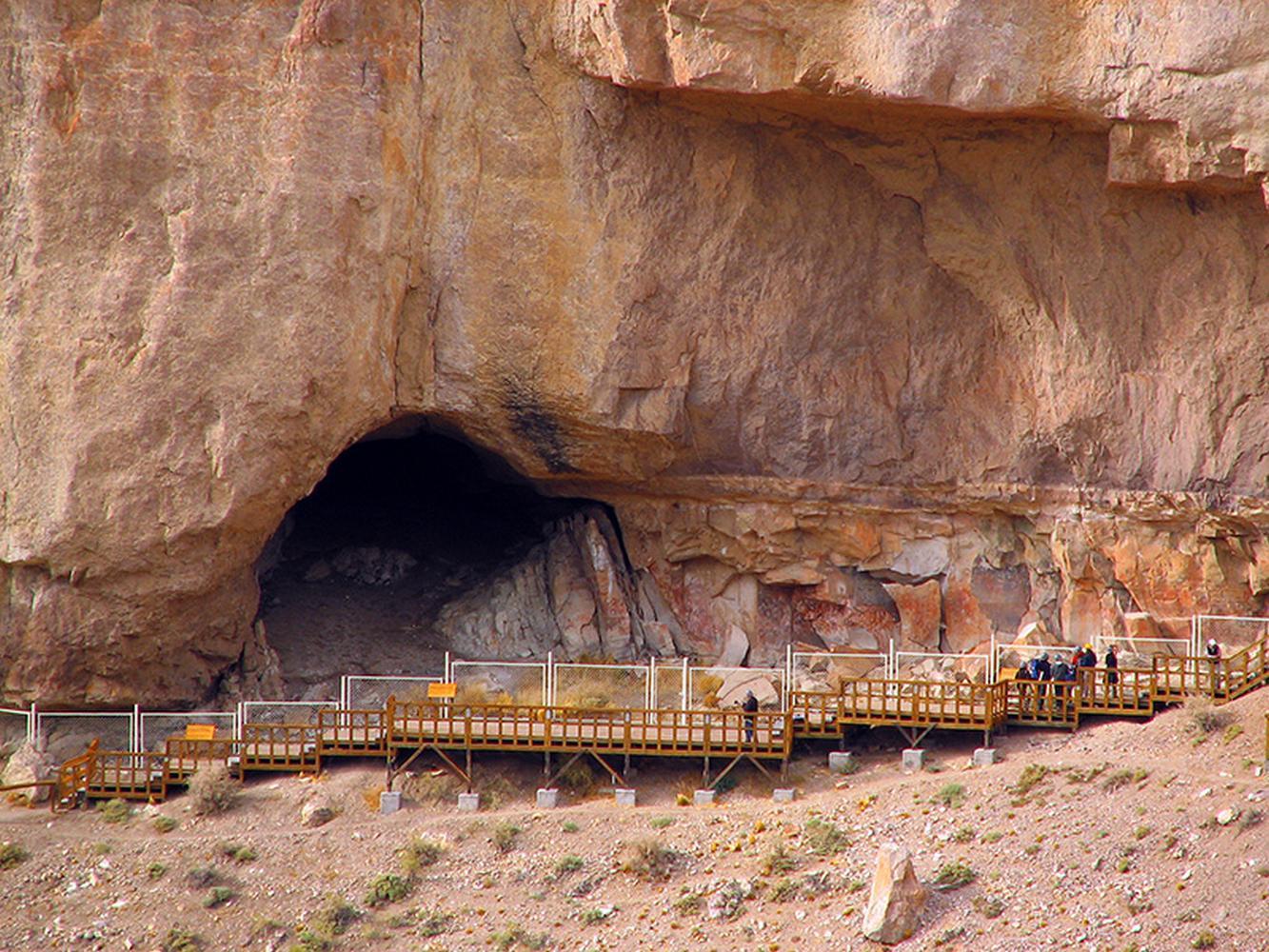 Cueva de los Manos, (Cave of the Hands), Argentina