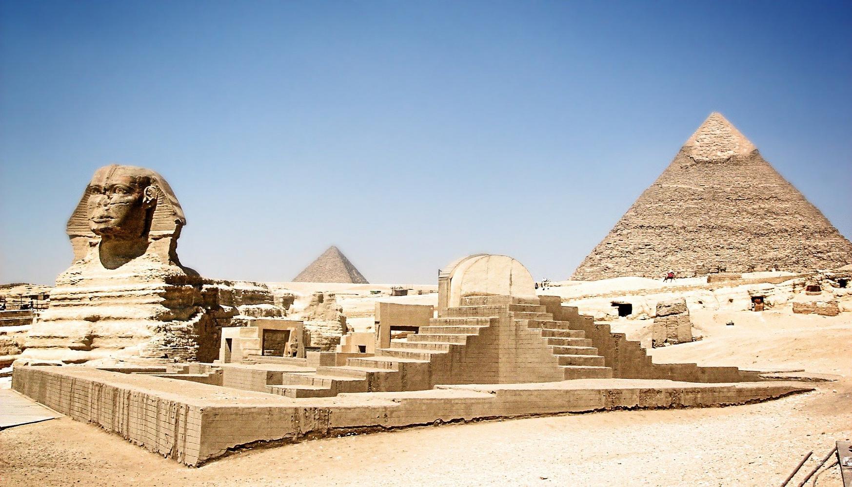 Giza necropolis - sphinx and pyramids, Cairo, Egypt