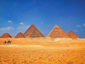 Giza Pyramdis, Cairo, Egypt