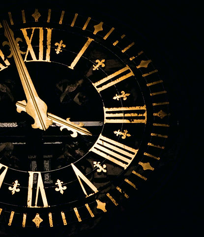 52004-___clock-time-church-and-dark-hd.j