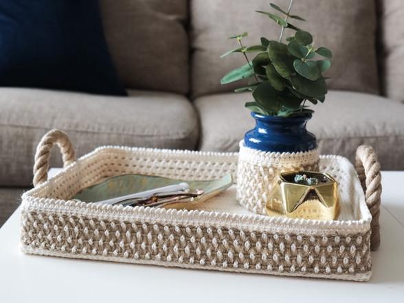Free Pattern   Decorative Tray + Vase Cozy Set