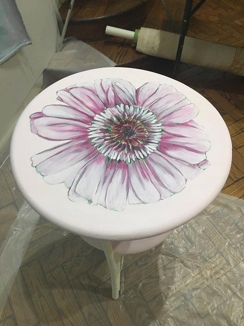 Pink Table w Zinnia