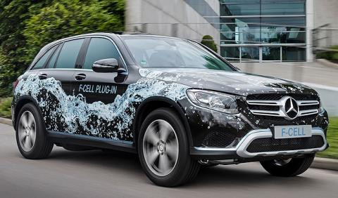 Vehículo propulsado por hidrógeno de Mercedes. Modelo GLC F-Cell