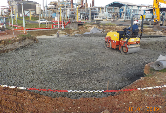 Start of backfilling the area to prepare the drilling plateforme of the piles