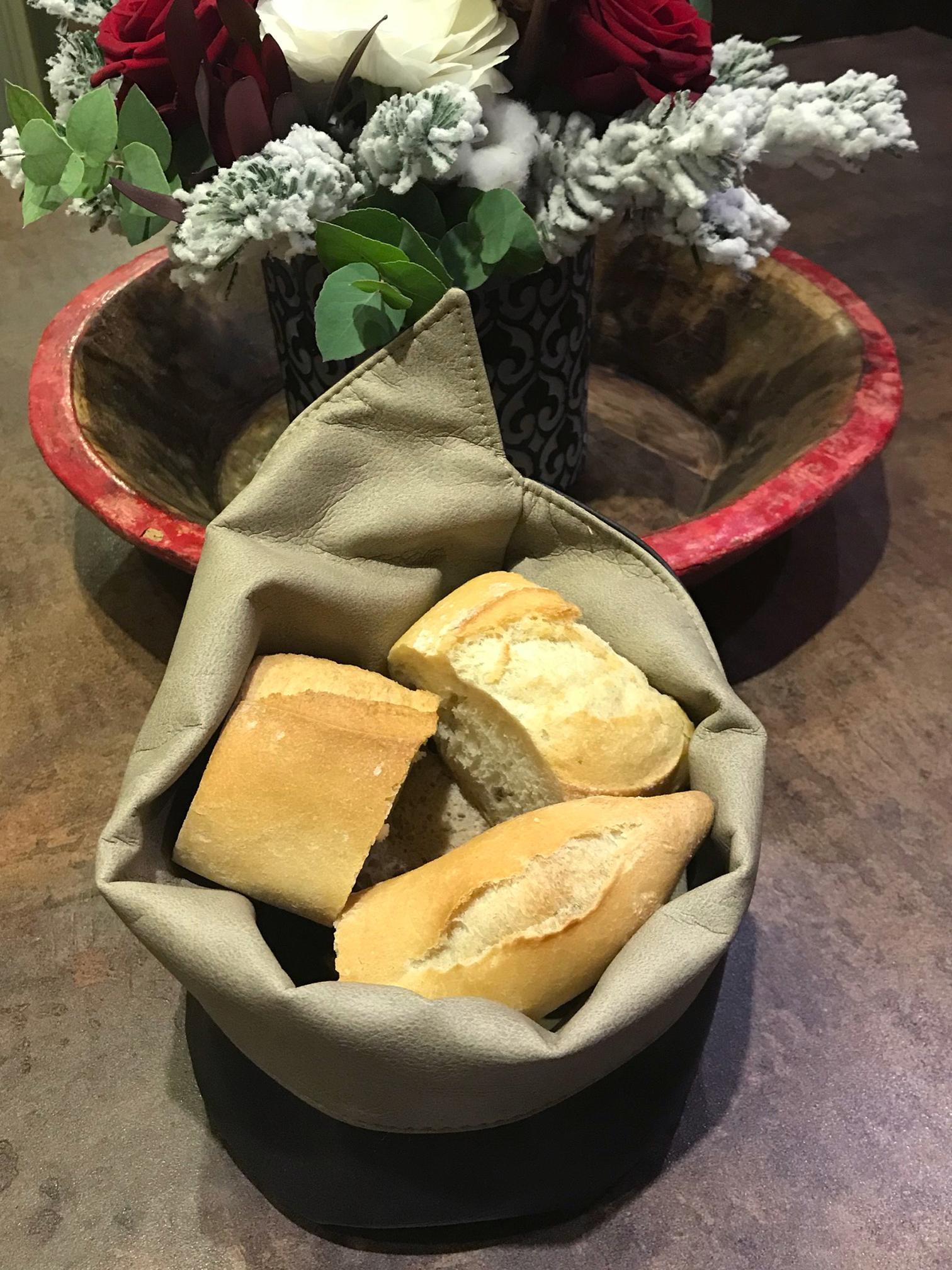 Corbeille à pain cuir restaurant