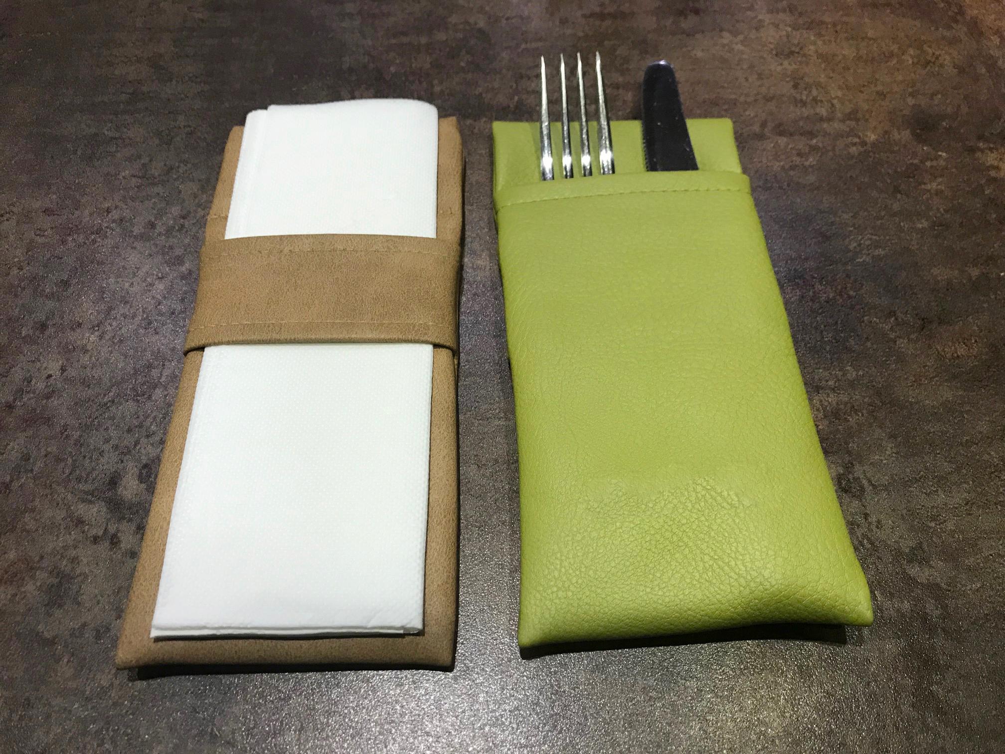 Porte-couverts cuir restaurant