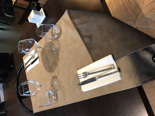 Chemin de table restaurant