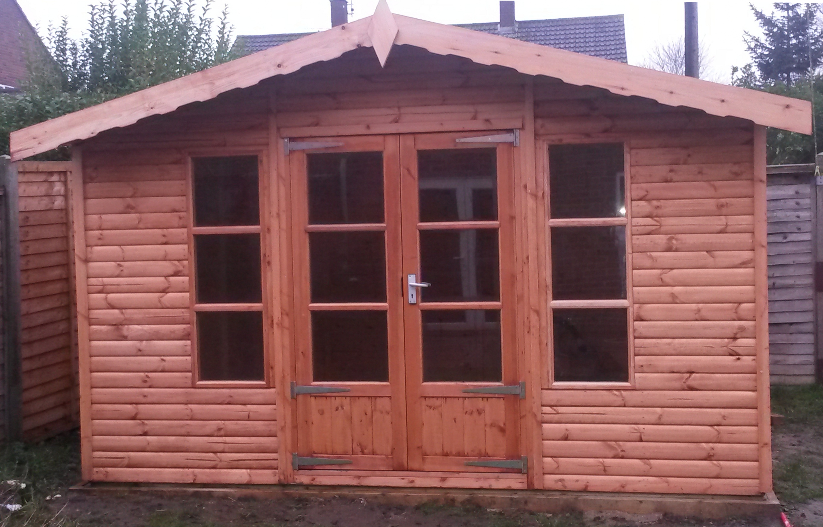 Ashby 12' x 8' with upgraded 'Loglap