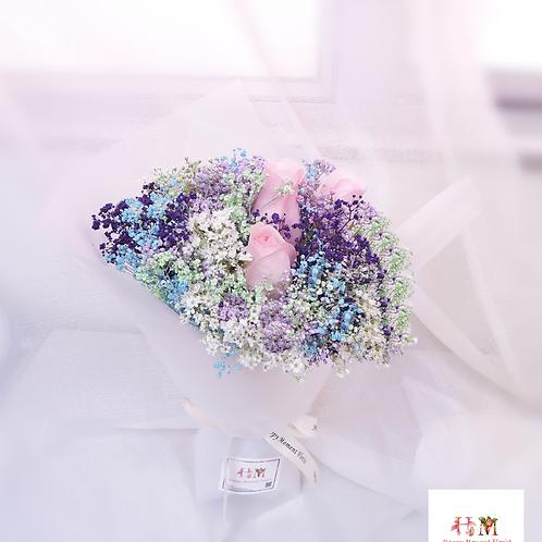 彩色滿天星粉紅玫瑰小花束