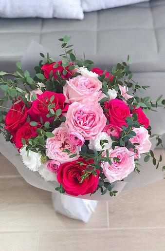 粉紅庭園玫瑰花束