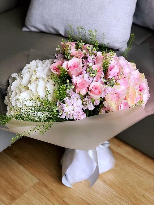 荷蘭繡球玫瑰花束