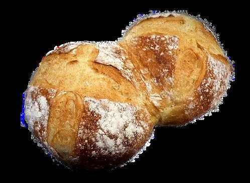 Pain blanc sans sucre sans gras en pain de fesse cuit sur la sole.