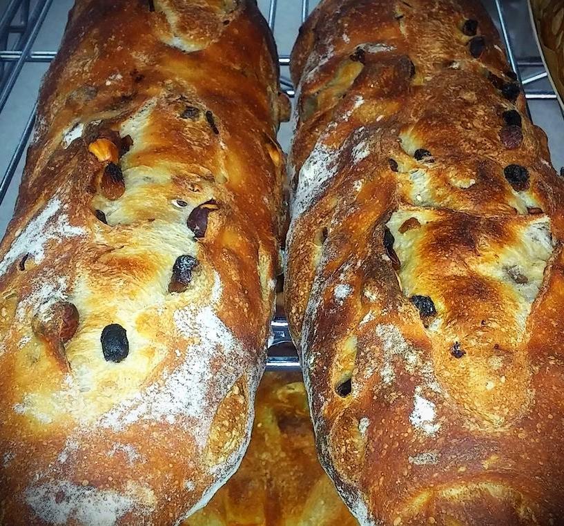 À la demande général, notre pain Mémoire d'Algérie est disponible tous les mardis.