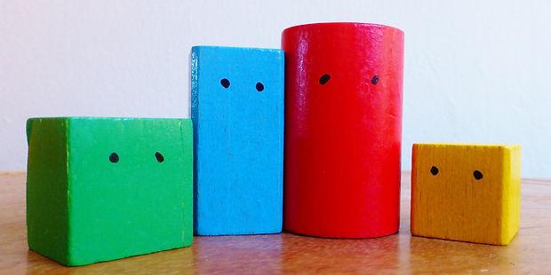 wooden-blocks-443728.jpg