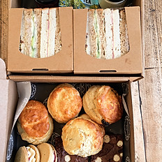 Family Afternoon Tea Box for 4