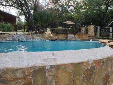 pool with infinity.jpg