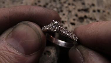 Bague de fiançailles en or blanc 18 carats et diamants G VVS