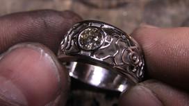 Bague or blanc 18 carats et diamant (pierre cliente)