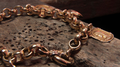 Bracelet or jaune 18 carats et pampilles.