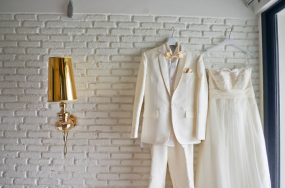 Let go of hoarded wedding items and make some cash
