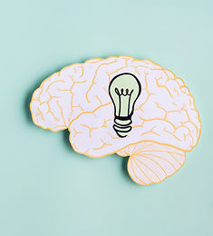 paper-brain-with-light-bulb-copy-space_e