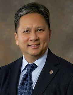 Dr. Roberto Deloso