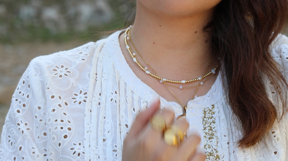pearl golden necklace