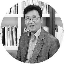 191004_홈페이지_메인_대표소개_김용만.jpg