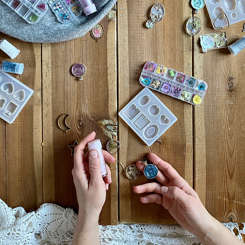 Resin Jewellery Online Course