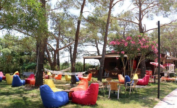 Sarısu Plajı: Antalya'nın En Meşhur Plajlarından Biri