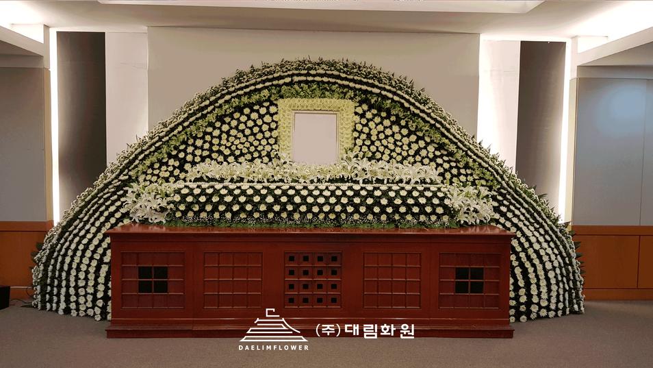 LG그룹-구본무회장-빈소설치.png