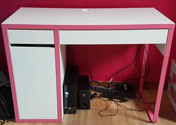 Skrivbord Micke IKEA, 300 kr
