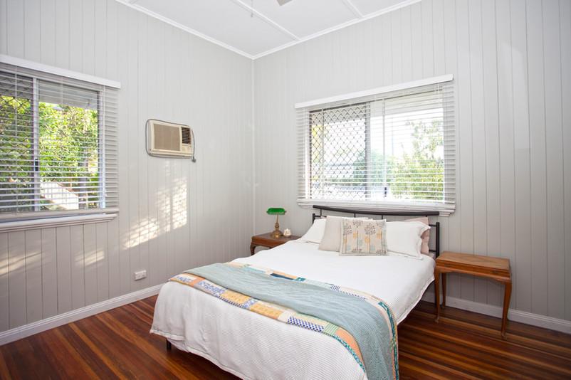 23 - C6 - Bedroom.jpg