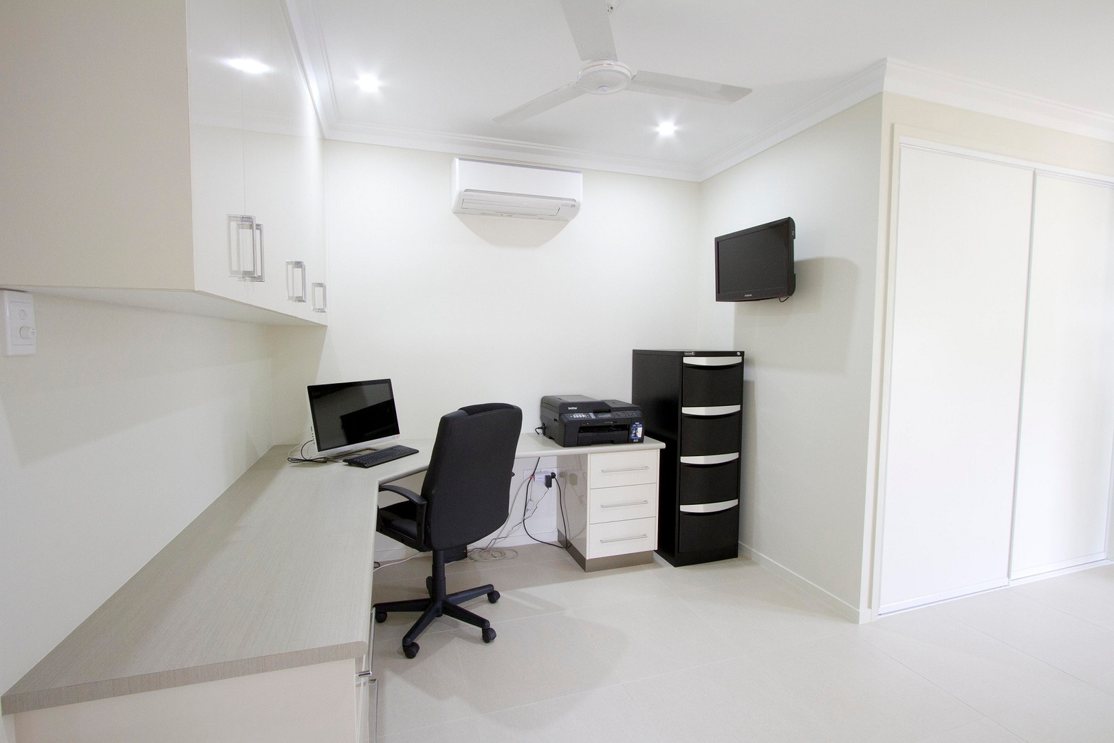 29 - C2 - Office 2.jpg
