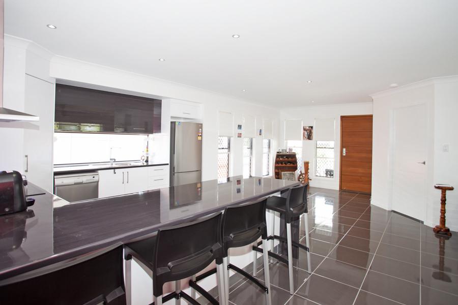 34 - C10 - Kitchen 3.jpg