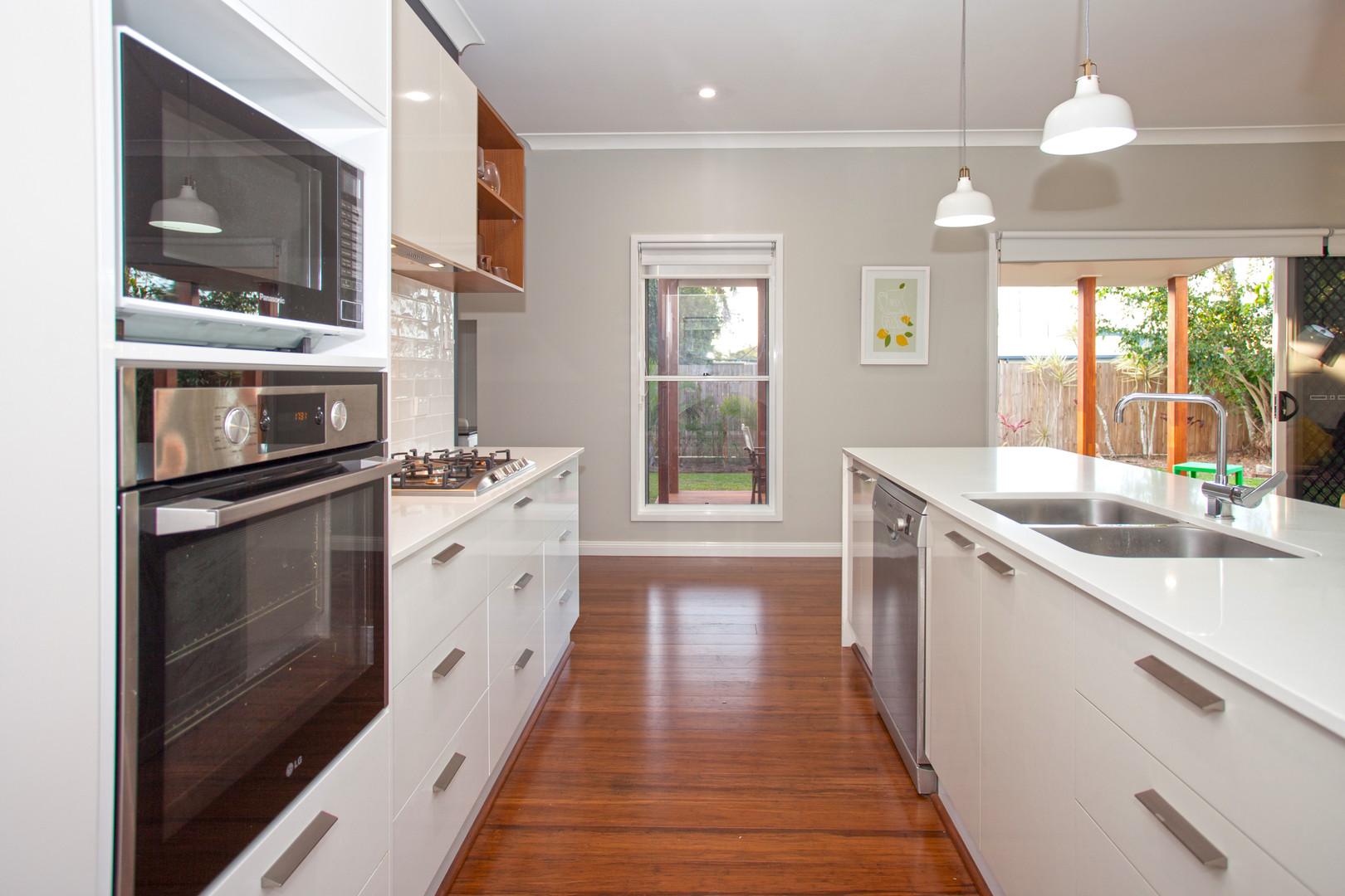 17 - C6 - Kitchen.jpg