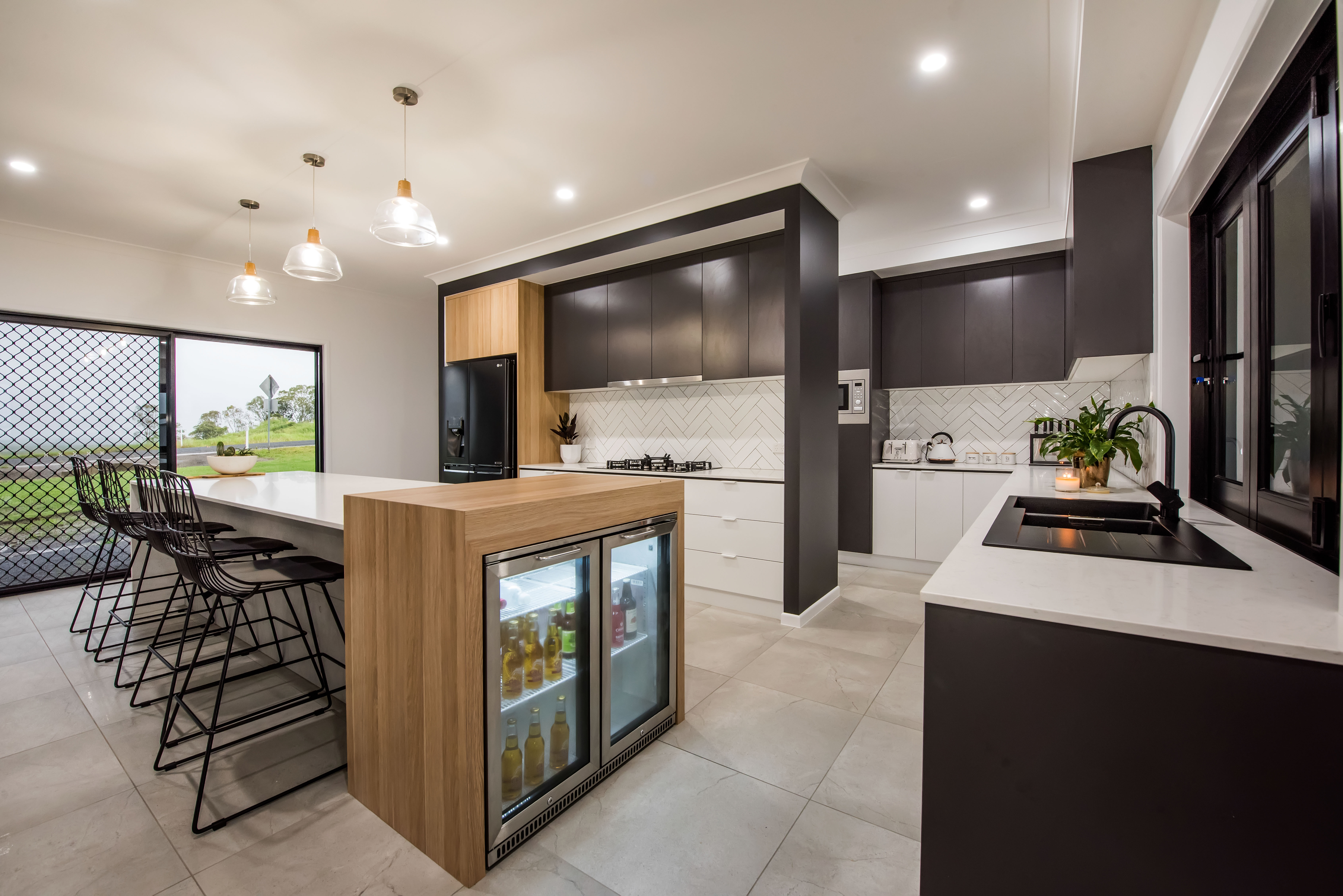 Kitchen 2 - Ultra
