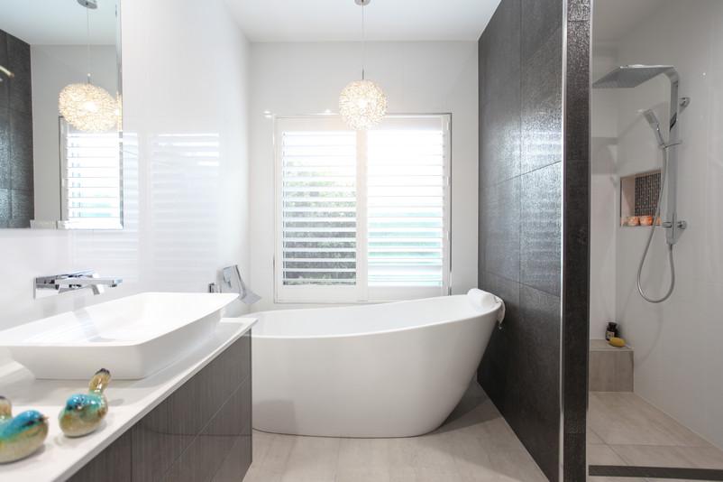 22 - C3 - Bathroom.jpg