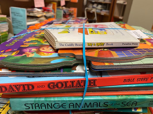 Popup books - sea animals, David & Goliath, One Snowy Night