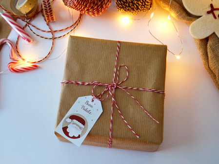 Twelve Days of Christmas - Giorno 4: Tag di Natale per i Pacchetti Regalo