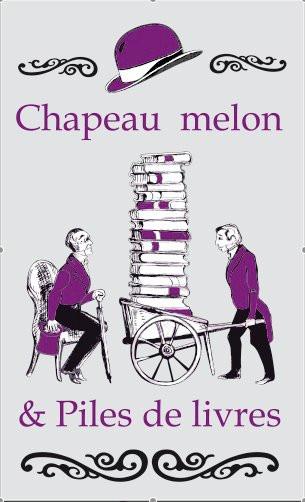 Chapeau-melon-et-piles-de-livres.jpg