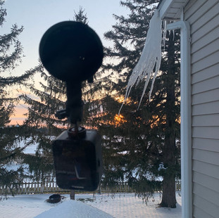 Winter suction cup mount for ice lapse formation