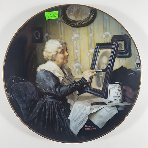 "Norman Rockwell Collectible Plate - ""Grandma's Love"""