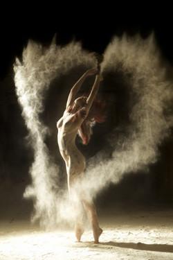 Dancers-2-640x960-533x800